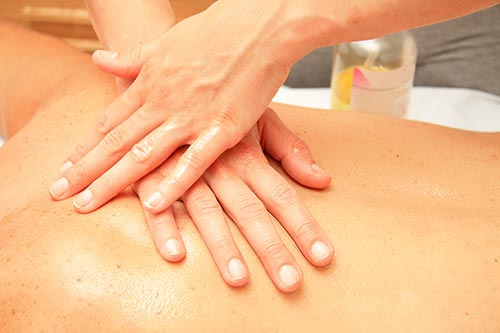 Aprende las técnicas del masaje Tuina en Madrid con los mejores profesores en Art Thai Massage.