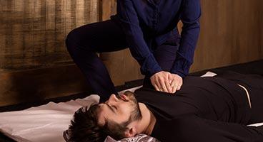 que-tienen-en-comun-el-masaje-tailandes-y-el-masaje-ayurveda01